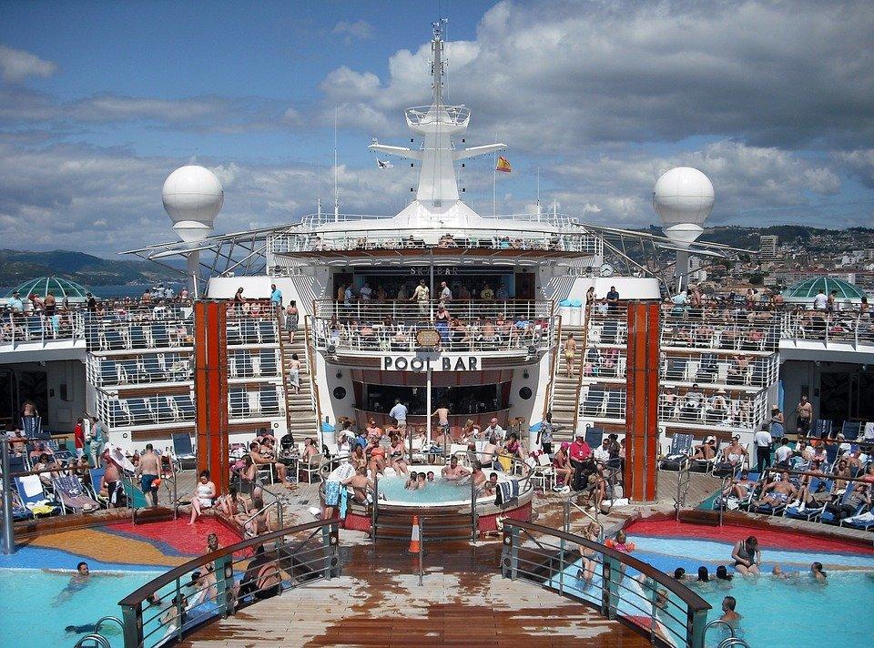 cruise-ship-615126_960_720